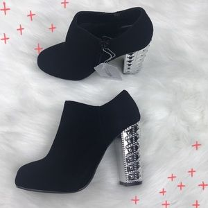 NWT Me Too black rhinestone bootie 'Ginny' booties
